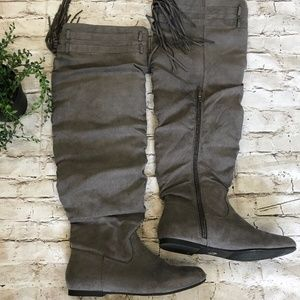 TIERNEE Knee High Gray Boots w/ Fringe SZ 5.5